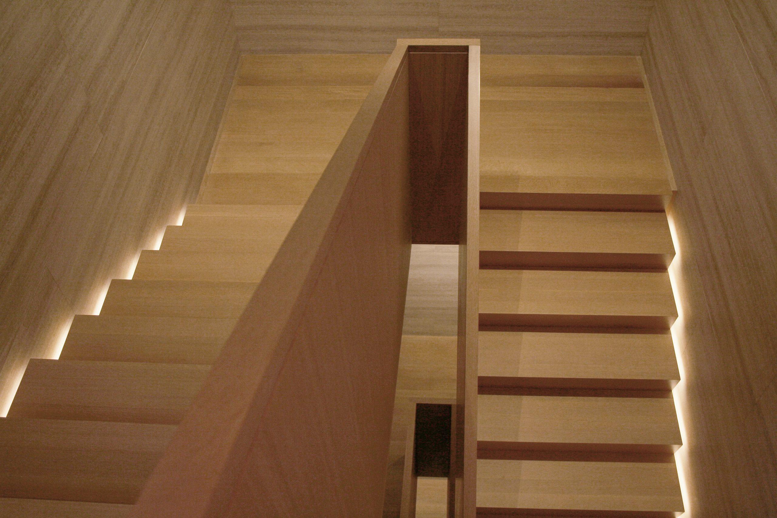 23-grd-flr-stair6