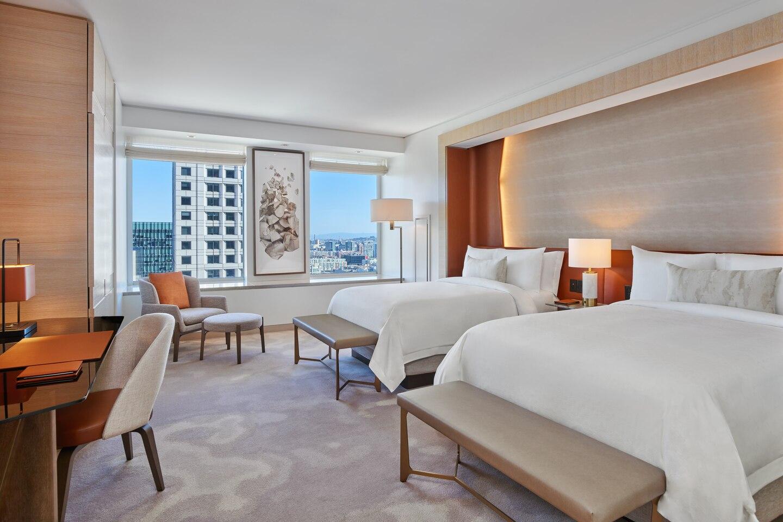 sfoxr-deluxe-guestroom-7012-hor-clsc
