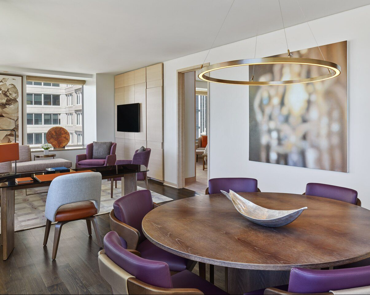 sfoxr-suite-diningroom-7020-hor-clsc